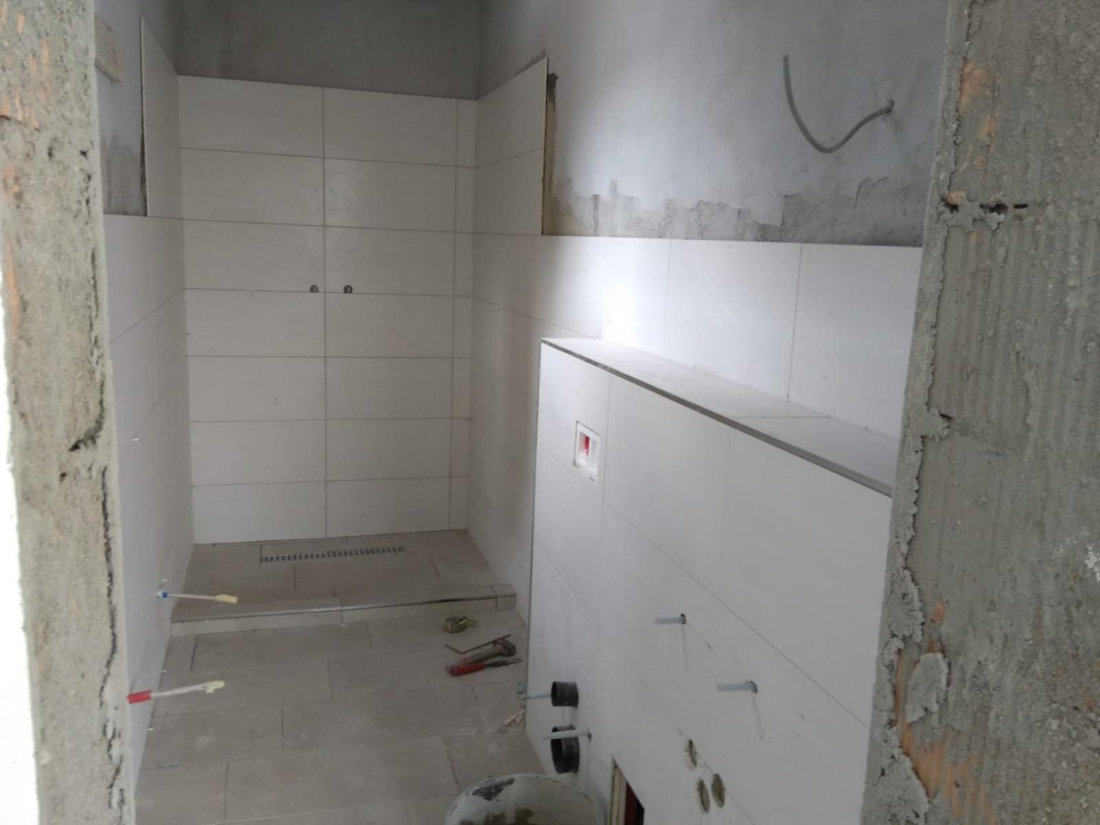 In Den Ersten Badern Verschwindet Die Installation Unter Den